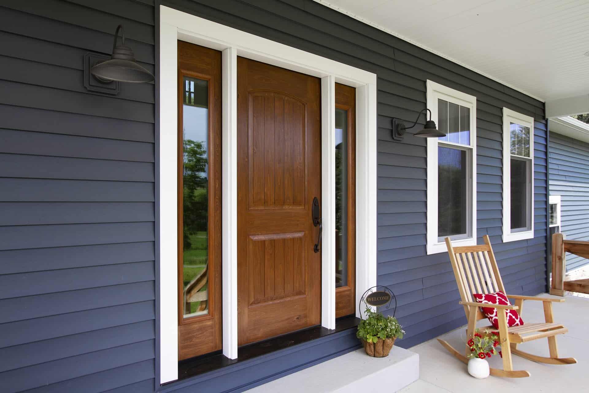 signet-fiberglass-door-by-provia-in-knotty-alder-ginger-stain-8-002